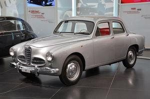 Alfa_Romeo_museum_-_Alfa_Romeo_1900.jpg