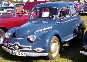 Panhard_Dyna_X_86_4-Door_Sedan_1951.jpg
